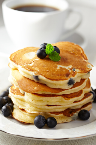 pancakes with blueberries